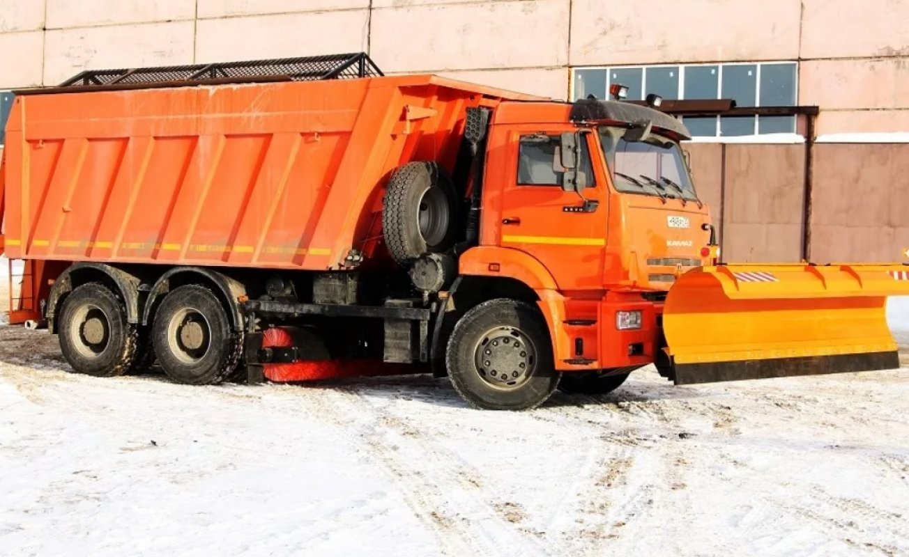 Комбинированная дорожная машина КДМ-902 заказать или взять в аренду, цены, предложения компаний